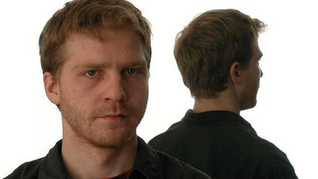 Pavel Batěk zazpívá v Městském divadle Sokolov písně Karla Kryla.