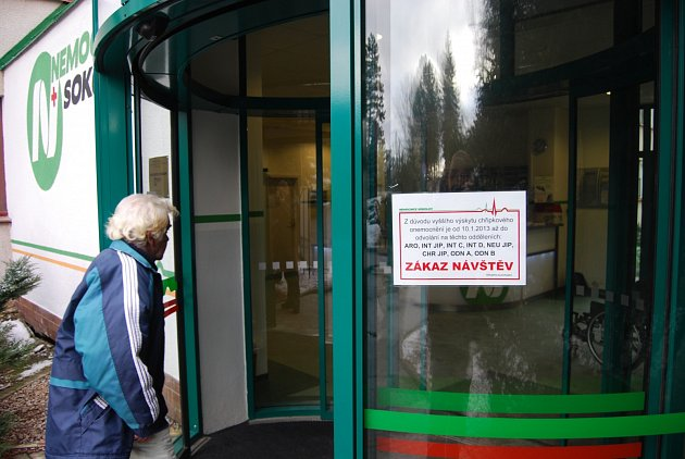 Nemocnice v kraji vyhlásily zákaz návštěv
