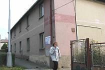 PROVOZ chodovské ubytovny v Nejdecké ulici dnes končí. V budoucnu pak objekt čeká demolice.