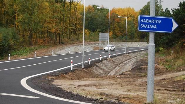 ÚSEK nového obchvatu směrem na Habartov prý mate řidiče