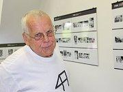 Vladimír Zábranský fotografuje osobnosti na filmovém festivalu od roku 1968. Současně sbírá autogramy.