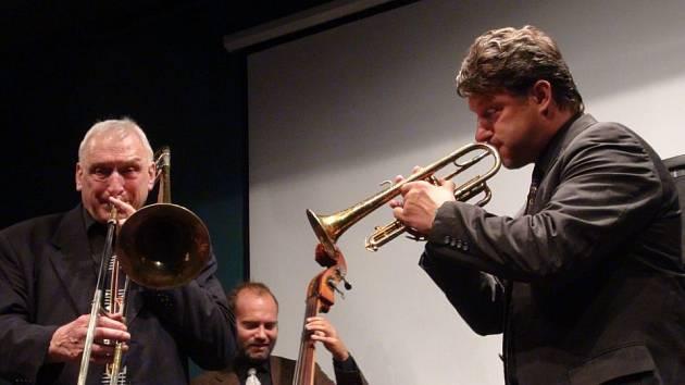Kapelu J.J.Jazzmen založil před dvaceti lety kapelník Jan Jirucha