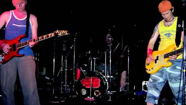 Jako první na rockovém festivalu v Kraslicích zahraje partička 3Brats.