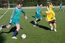 V souboji o první místo skupiny B porazil mladší dorost Sokolova fotbalisty Březové 4:1.