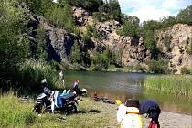 Zatopený lom u Velkého rybníka