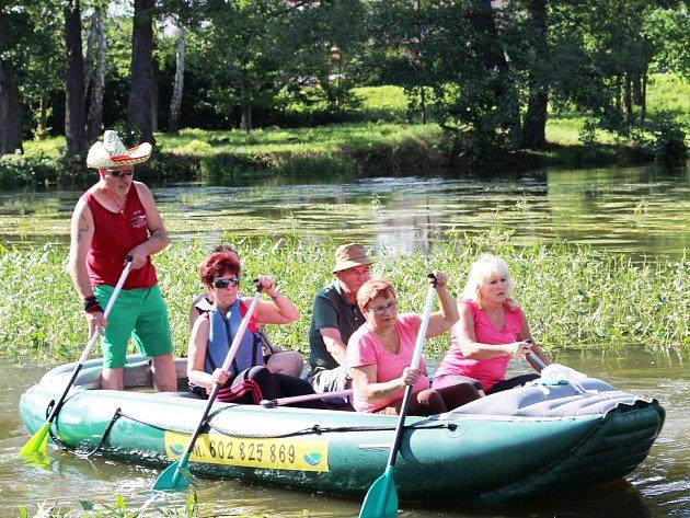 Dobrý stav vody si pochvalovali i účastníci Dne Ohře. Vodácká sezona na Ohři končí v říjnu.