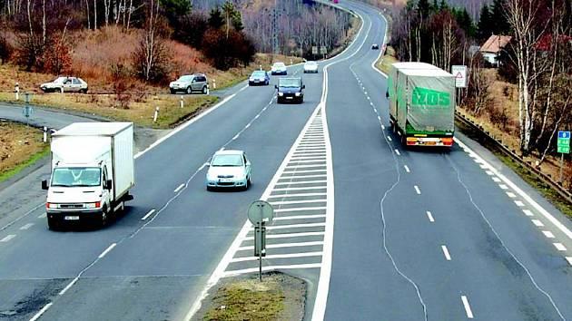 Silnici I/6 má nahradit rychlostní R/6. Loket ale odmítá prodat pozemky pro stavbu nové silnice za navrženou cenu.