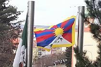 Tibetská vlajka v Sokolově.