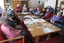 POLICEJNÍ  preventisté navštěvují domy s pečovatelskou službou a radí seniorům, jak předejít potížím.