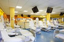 Dialyzační středisko ošetří každý měsíc stovky pacientů.