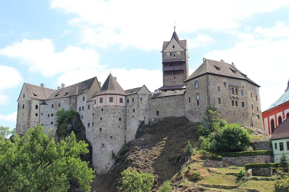 Noční prohlídky na hradě Loket v podání Pouličního divadla Viktora Braunreitera jsou velmi oblíbené.