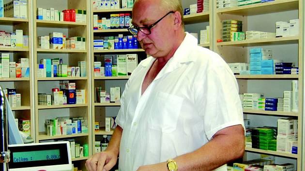 Lékárna v sokolovské nemocnici bude vybírat poplatky i nadále