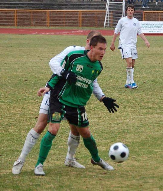 Jiří Mlika (v zeleném) další branku na své konto nepřidal.