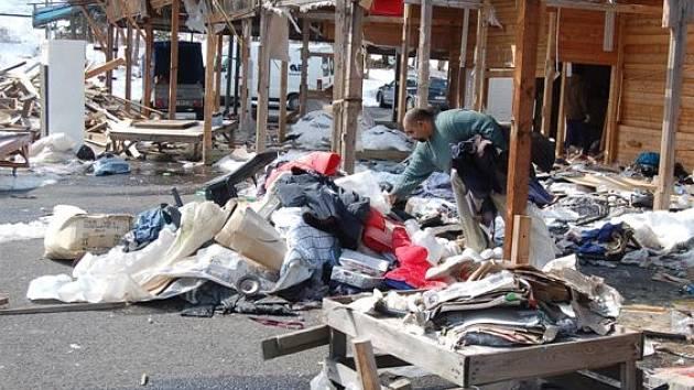 Konec tržnice v Kraslicích.