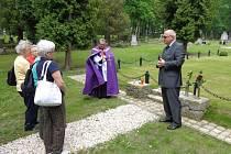 Vsypová loučka na hřbitově