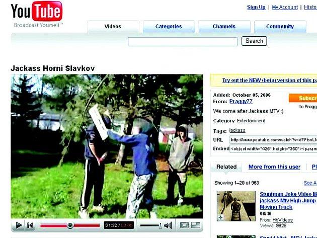 Videoklip na youtube.com.