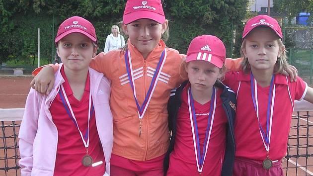 Úspěšné devítilté tenistky TK Sokolov.