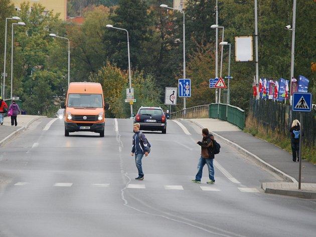 Přechod pro chodce v sokolovské Kraslické ulici
