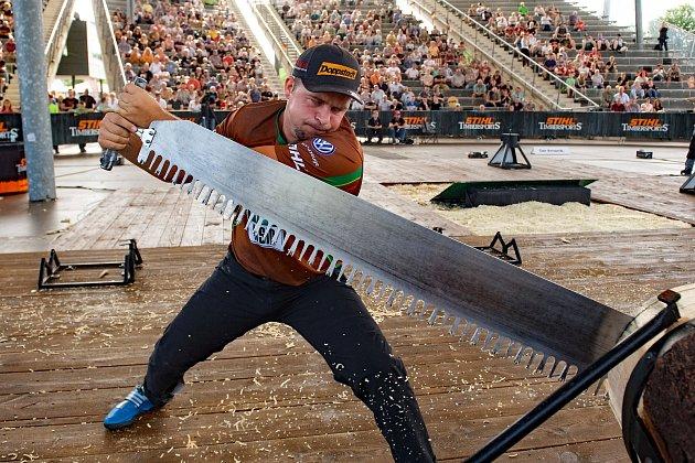 V aréně změří síly nejlepší dřevorubci.