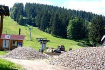 Vlekaři v Bublavě zastavili výstavbu nového zázemí.