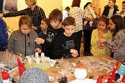 Prodejní výstava Šikovné ruce se koná v Městské galerii DDM Bludiště do 29.listopadu.