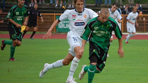 Tomáš Vondrášek (v zeleném) vstřelil první gól Baníku v nové sezoně.