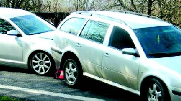 Jedna z fingovaných nehod, kterou podle policie spáchal muž ze Šabiny.