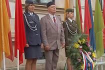 Kladení věnců v Sokolově