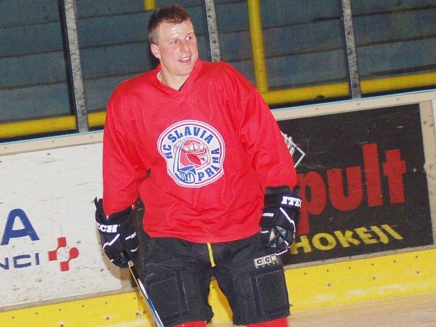 Sokolovský asistent Jiří Dreiseitl v hokejové výzbroji