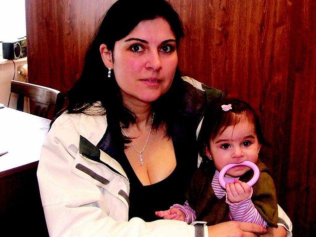 Nepříjemný zážitek malé Anety nám do redakce přišla vyprávět její maminka Andrea Havránková s mladší dcerou Barborkou.