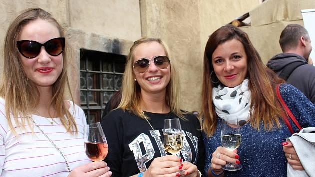 Mezi oblíbené a hojně navštěvované akce patří na hradě bezesporu i dvoudenní víkendové vinobraní.