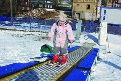 SEZÓNA byla podle vlekařů slabší. Návštěvníci letos ocenili například nové dětské lyžařské hřiště s lyžařským pásem. Příští rok by mohla přibýt nová sedačková lanovka.