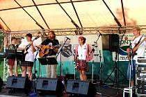 SKUPINA ALISON připravila v Kraslicích festival nesoucí název Na konci světa, kde také zahrála.