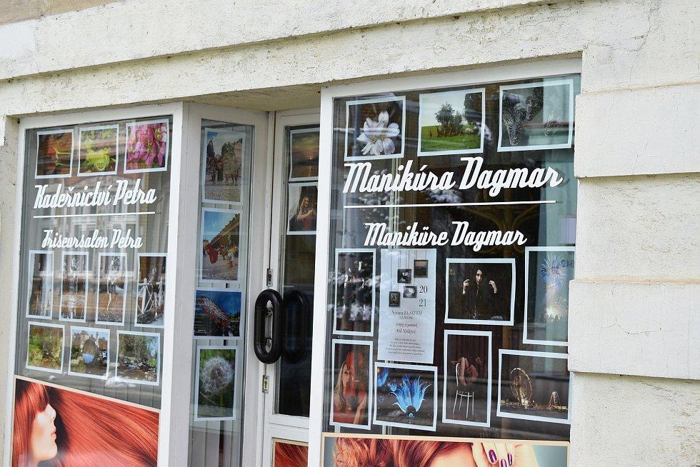 Po celé zemi vznikly minigalerie, jedna i v Kraslicích
