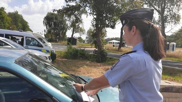Policisté zvýší dohled o víkendu kvůli motokrosovému mistrovství v Lokti.
