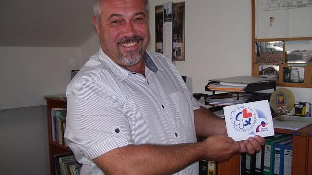 OCENĚNÍ za kvalitní služby získaly Sociální služby, na podzim letošního roku převezme ředitel Jiří Hrubý (na obrázku) certifikát.