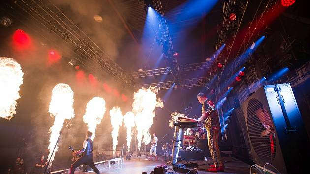 Revivaly kapel Pink Floyd a Rammstein rozbalí v Kraslicích velkou show.