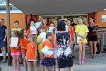 Deváťáci ze základní školy ve Švabinského ulici se slavnostně rozloučili se základní školou.