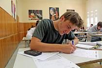 Jeden ze studentů při letošních maturitách.