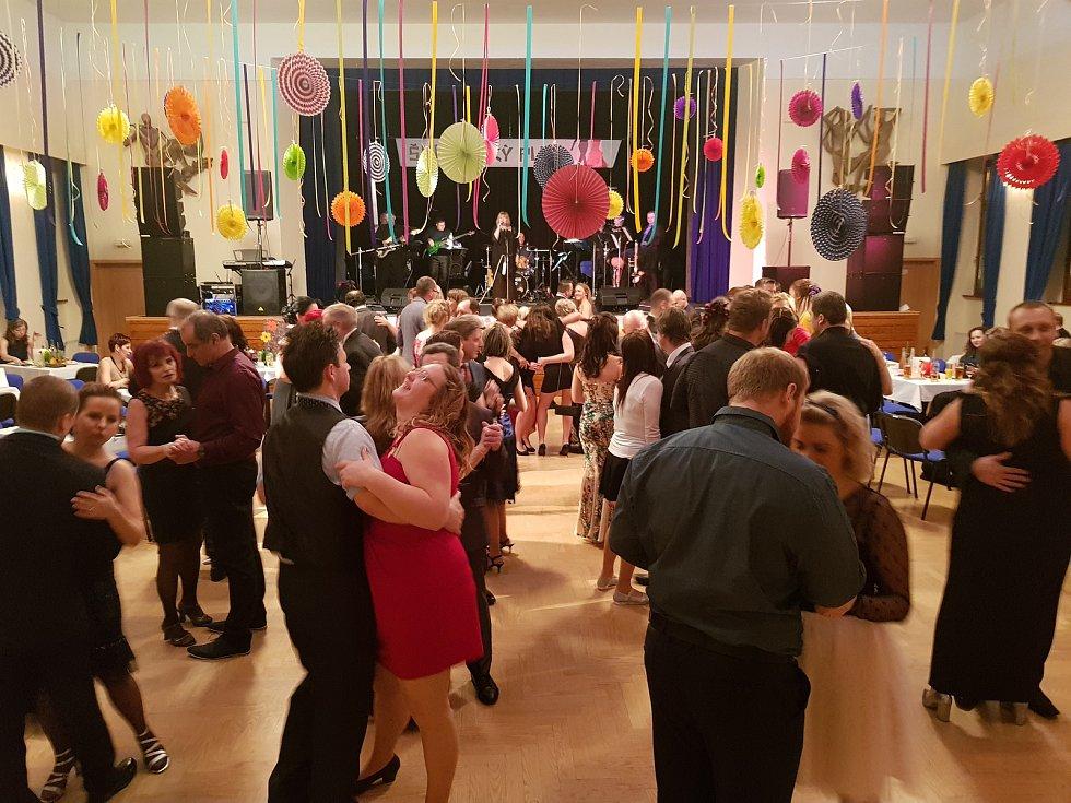 Benefiční ples v Kraslicích