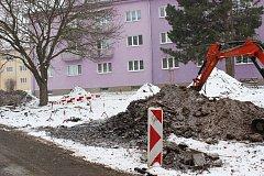 Regenerace sídliště v Horním Slavkově pokračuje v současné době v horní části Školní ulice.