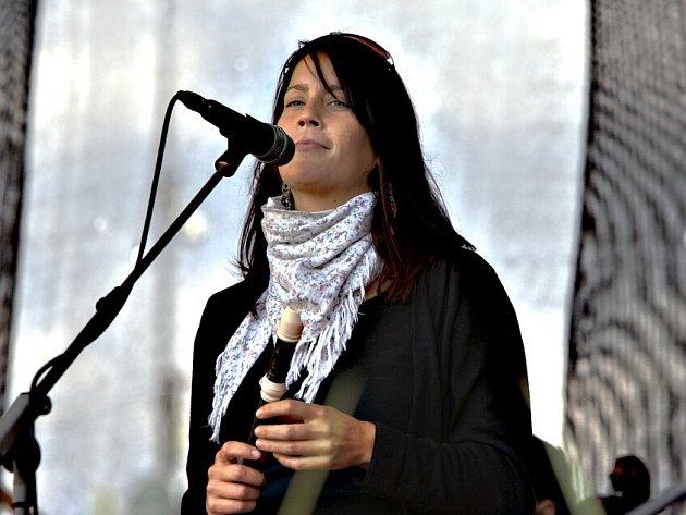 Pořadatelka festivalu a zpěvačka Alena Boháčová.