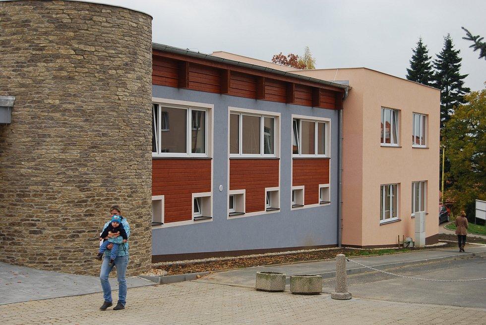 Multifunkční centrum je chloubou Březové.