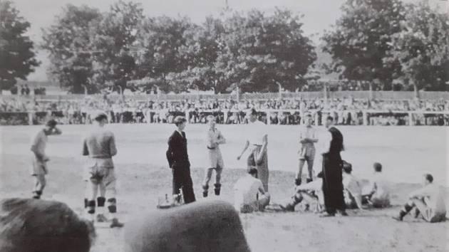 Přestávka utkání DSK Falkneau proti Firstu Vídeň