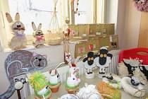 Velikonoční výzdobu bylo možné pořídit i na prodejní výstavě DC Mateřídouška.
