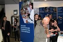 Odborníci na jadernou energetiku se sešli při jednání v Evropském parlamentu. Seminář i výstavu inicioval europoslanec Pavel Poc.
