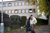 PROJEKT Centra vzdělávání ISŠTE Sokolov počítá s výstavbou nového moderního pavilonu na místě nynější budovy.