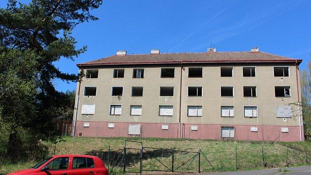 Některé z vybydlených domů v Sokolově