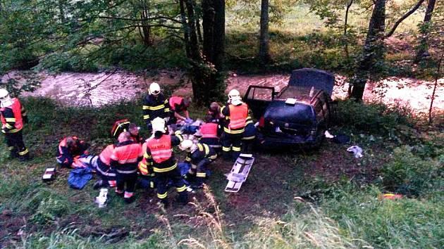Vážná dopravní nehoda u Kraslic.