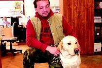 Už druhého labradora našel David Hrbáček pobíhat v lese